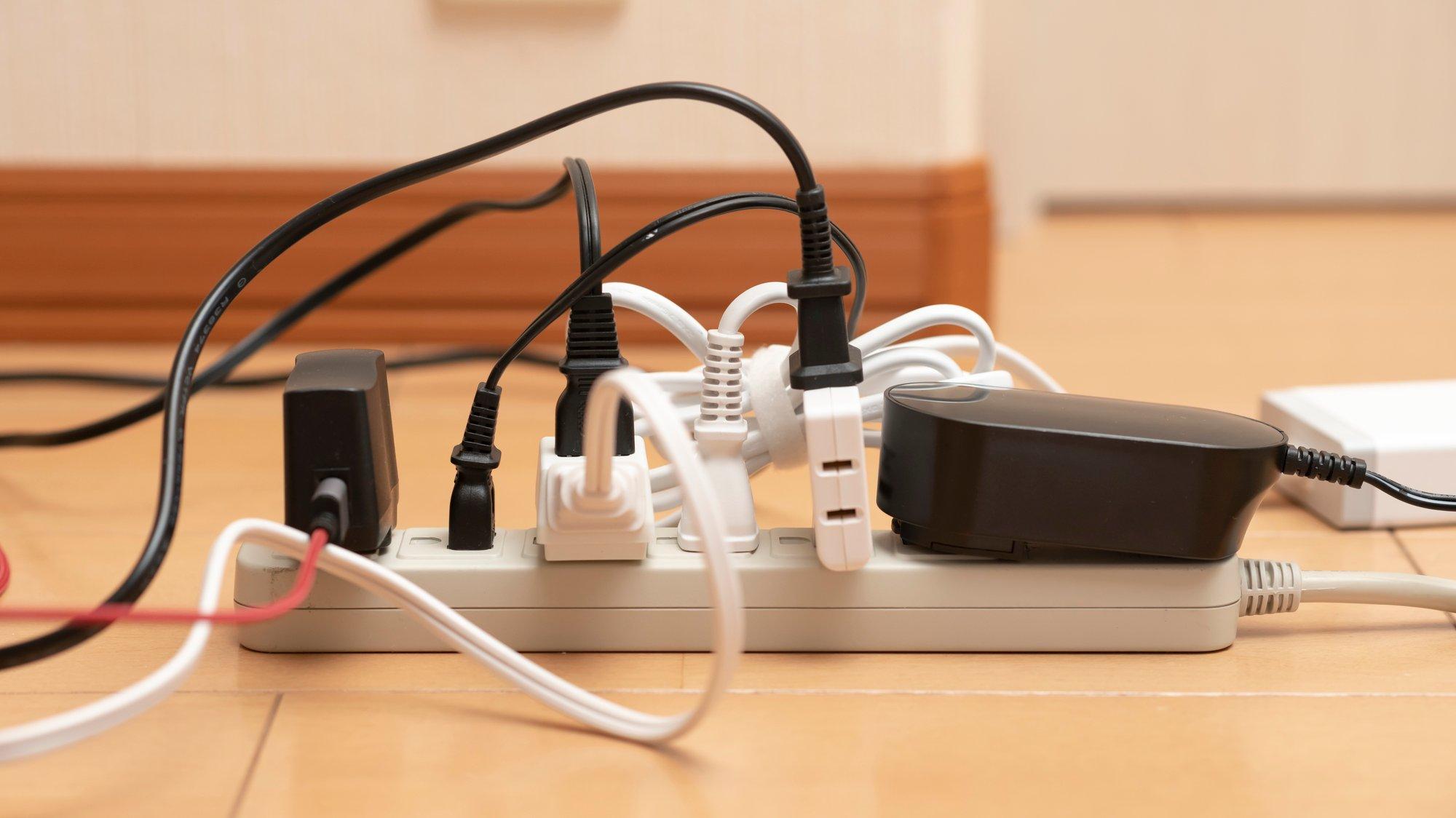 タコ足は危ない!キッチン家電の消費電力は意外と高い