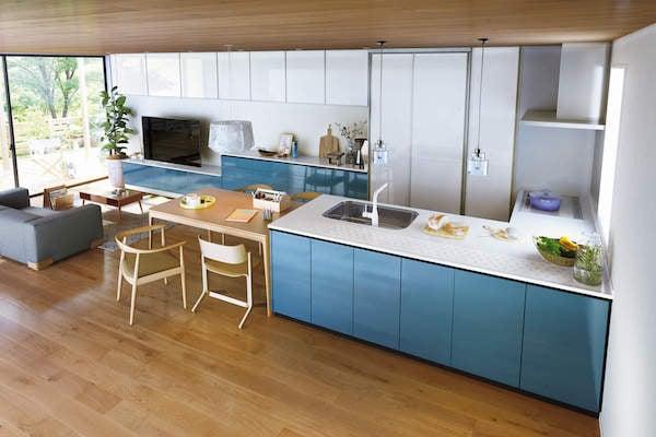 事例3.タイルが印象的なカフェ風のL型キッチン