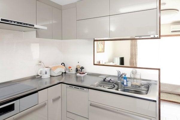 事例5.夫婦ふたり、いくつになっても快適な対面式L字型キッチン