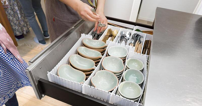 大満足の収納! 大きな鍋や数の多い食器類もすっきり