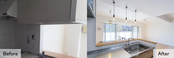 吊戸棚を取り払ってオープンな空間に。明るいキッチンで家事も楽しく