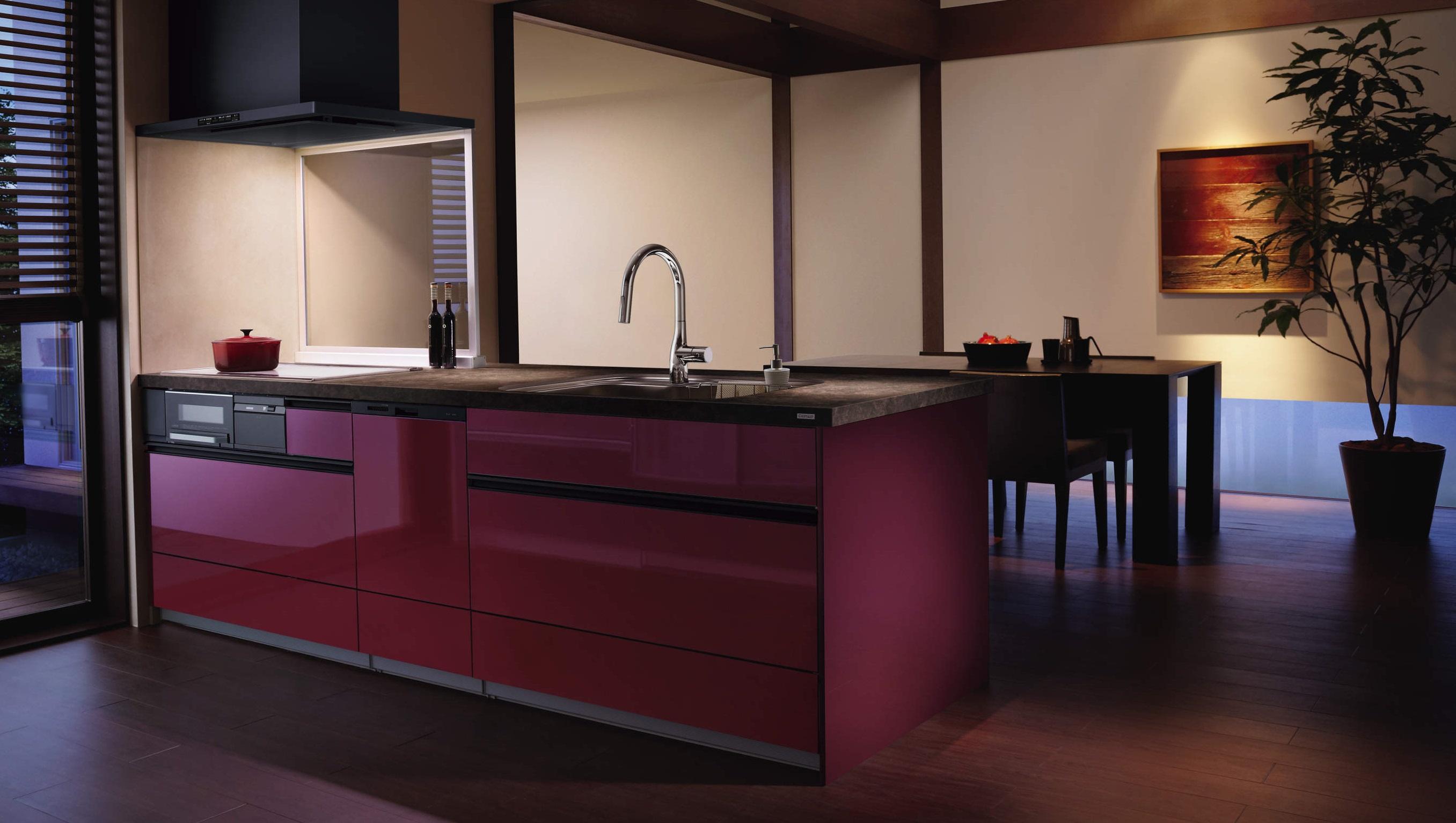 和のテイストに存在感のあるレッド色のキッチン サムネイル画像