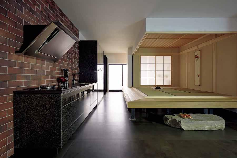 モダンさに、竹や畳などの日本らしい素材を取り入れたインテリア