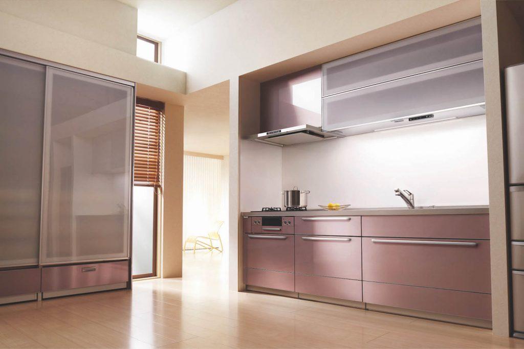 壁付け型のキッチン空間